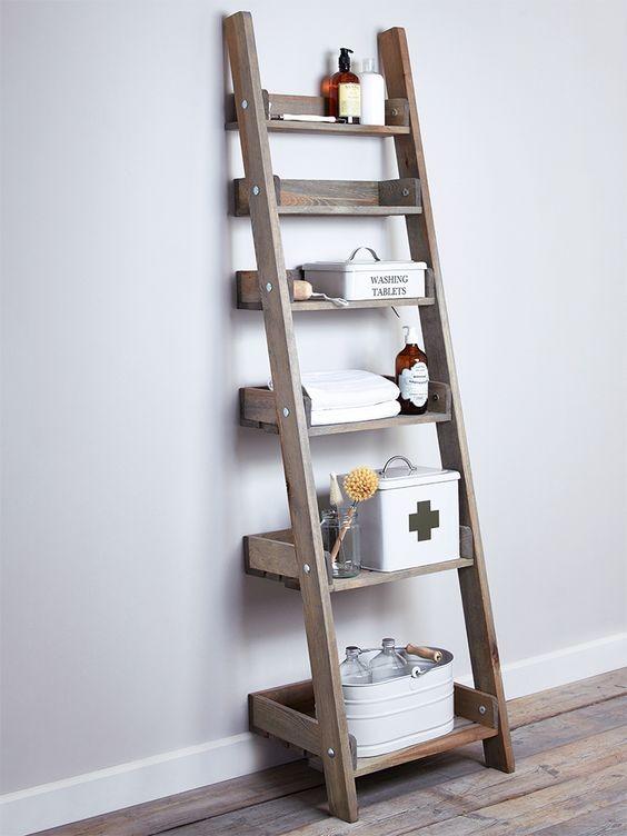 Houten decoratie ladder aldsworth opbergrekken hout for Vensterbank decoratie hout