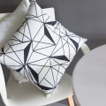 """TAK Design Sierkussen """"New B&W Geomatric"""" 45 x 45 cm - Zwart / Wit TD016273"""